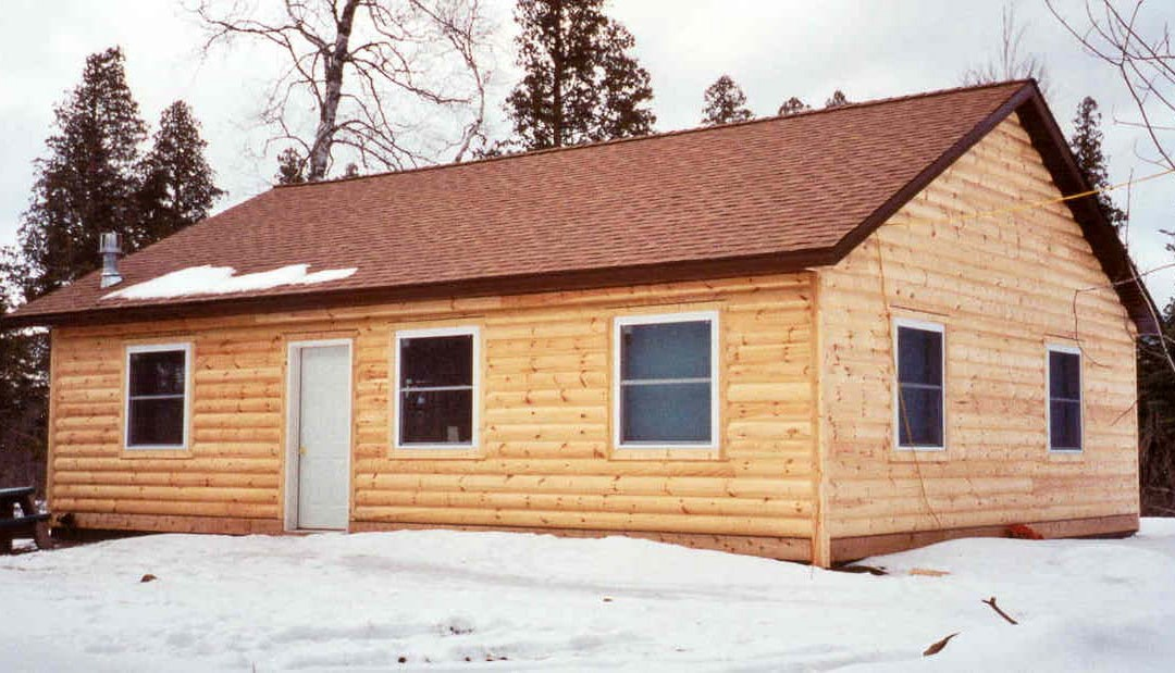 "The ""Knotty Log"" Cabin"